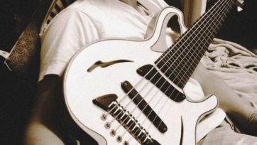 Bassist-Edo-Castro-3