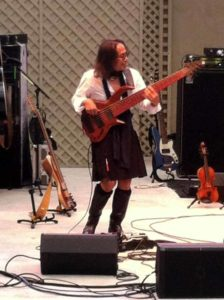 Edo playing his Stinger 7-String Bass #2.